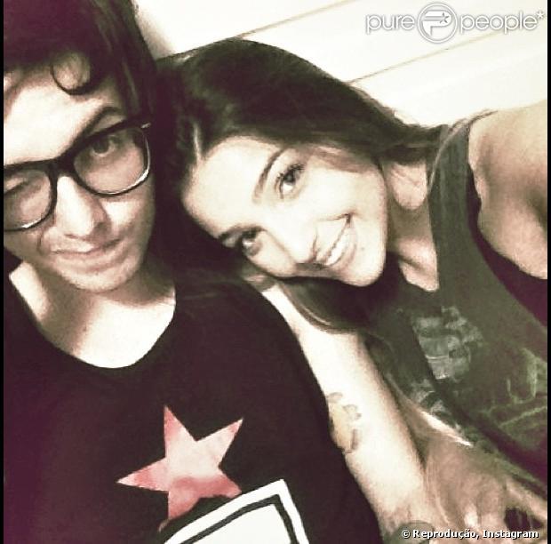 Pê Lanza posta foto com a nova namorada, a estudante Gabriela, em dezembro de 2012