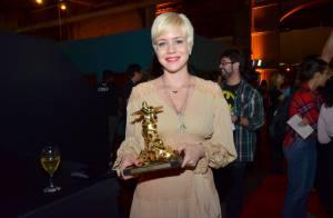 Leandra Leal recebe prêmio de Melhor Atriz no Festival do Rio 2013