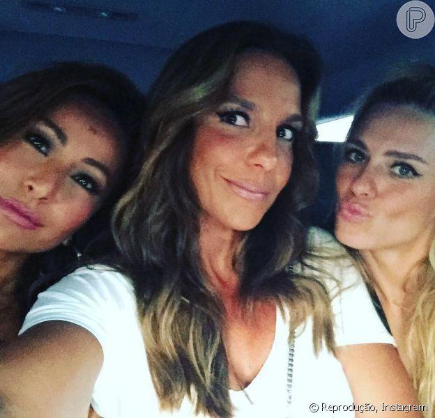 Ivete Sangalo, Sabrina Sato e Carolina Dieckmann curtem show de Beyoncé em Miami, nos Estados Unidos, nesta quarta-feira, 27 de abril de 2016