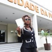Ex-BBB Adélia dá queixa em delegacia contra racismo; suspeitos são identificados