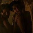 Yanna Lavigne e Hanna Romanazzi protagonizaram cena quente na quinta-feira, dia 28 de abril de 2016, na novela 'Liberdade, Liberdade