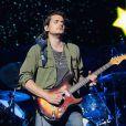 Suas influências musicais passaram por grandes guitarristas como Jimi Hendrix e Stevie Ray Vaughan