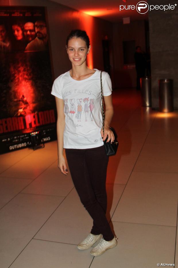 Laura Neiva no lançamento do filme 'Serra Pelada', em São Paulo, na ...