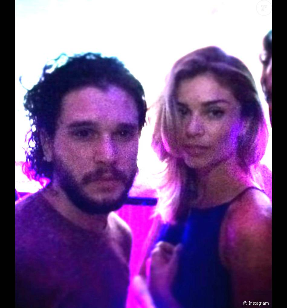 Jon snow dating costar