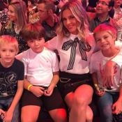 No Dia das Mães, Fernanda Lima leva os filhos gêmeos ao estúdio do 'SuperStar'