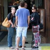 Reynaldo Gianecchini usa bermuda rasgada em almoço com Giovanna Antonelli.Fotos!