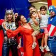 Juliana Paes está satisfeita com os dois filhos: 'Não quero mais nenhum'