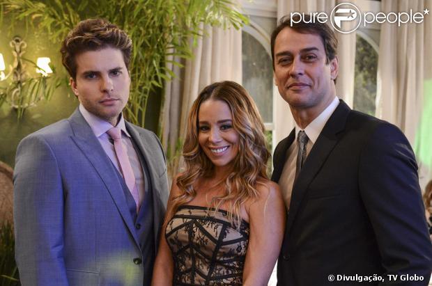 Amarilys (Danielle Winits) e Eron (Marcello Antony) pedem que Niko (Thiago Fragoso) se mude de seu próprio apartamento, em 'Amor à Vida', em novembro de 2013