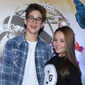 Larissa Manoela e o namorado, João Guilherme, vão juntos à pré-estreia de filme