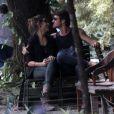 Emílio Dantas, namorado de Giselle Itié, protagoniza o espetáculo 'Cazuza'
