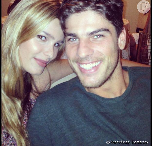 Yasmin Brunet passou o Natal ao lado do noivo, Evandro Soldati, como mostra a foto publicada nesta terça-feira, 25 de dezembro de 2012