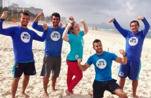 Ex-BBBs Maria Claudia e Matheus começam treino funcional na praia: 'Incrível'