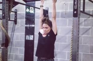 Giovanna Antonelli faz barra fixa em treino de crossfit: 'Progredindo'. Vídeo!