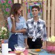 Ana Furtado pede maçãs do amor no 'É de Casa' e fã diz: 'Dá 6 pra Patrícia Peta'. Programa foi ao ar neste sábado, 04 de junho de 2016