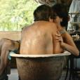 Afrânio (Antonio Fagundes) e Iolanda (Christiane Torloni) esquentaram o clima na piscina da fazenda