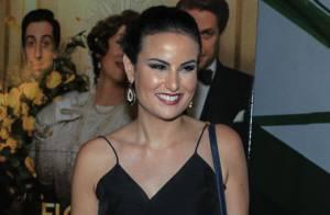 Juliana Paes troca beijos com o marido em pré-estreia do filme 'A Despedida'