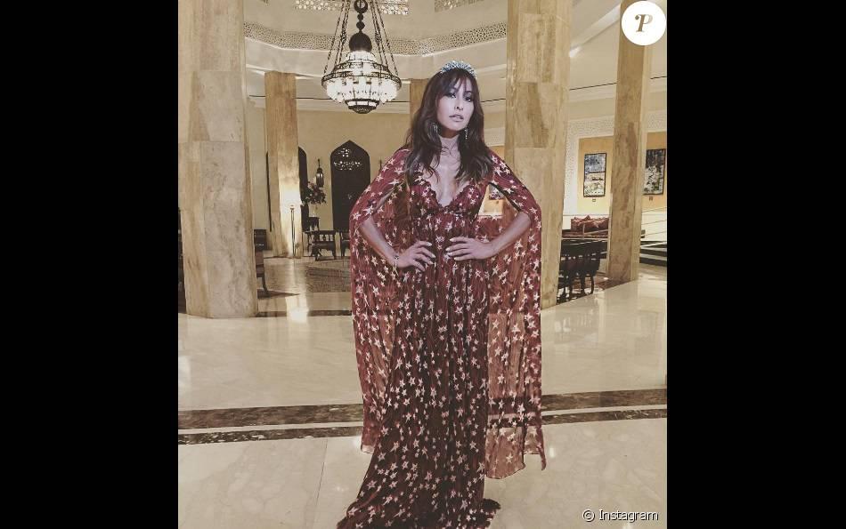 Sabrina Sato levou sua sensualidade pro Marrocos e usou vestido longo  decotado em evento 43e00a2975