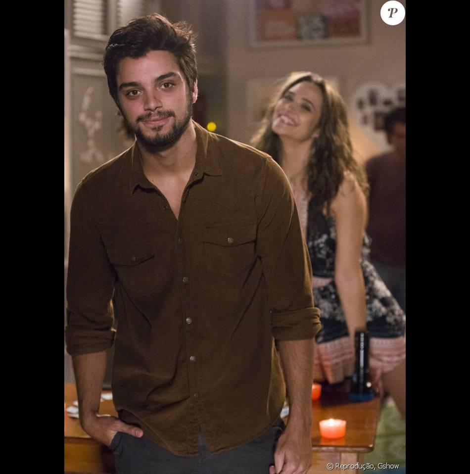 Rodrigo Simas e Juliana Paiva contracenam no spin-off da novela 'Totalmente Demais'