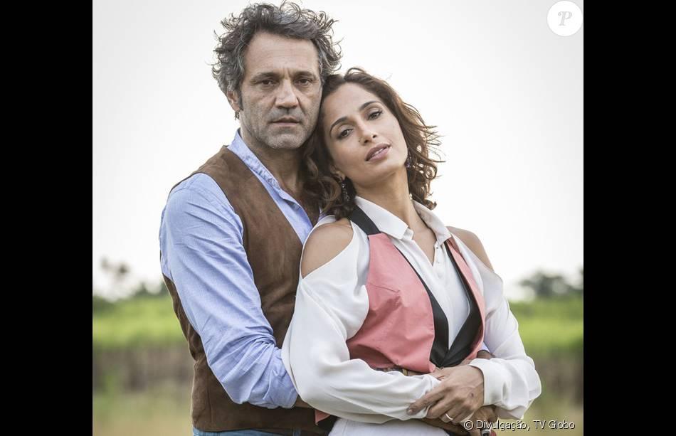 Tereza (Camila Pitanga) e Santo (Domingos Montagner) transam na mesa de escritório dele, na novela, 'Velho Chico', a partir de 25 de junho de 2016