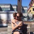 Alinne Moraes viaja para Nova York com o filho, Pedro: 'Meu pequeno'
