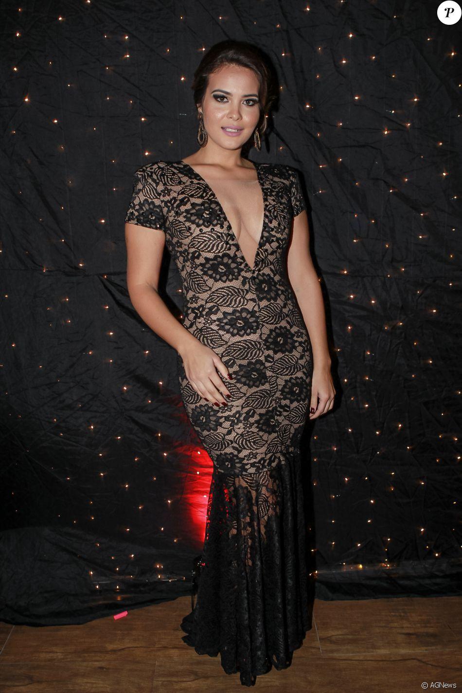 Geisy Arruda Nude Photos 40