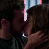 Primeiro beijo de Camila e Giovanni em 'Haja Coração' anima público:'Cena linda'
