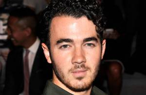 Kevin Jonas completa 26 anos após fim do sucesso de Jonas Brothers