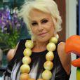 Ana Maria Braga com colar feito de cebolas no 'Mais Você' de agosto de 2015