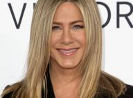 Jennifer Aniston mostra barriga suspeita e revista afirma gravidez; atriz nega