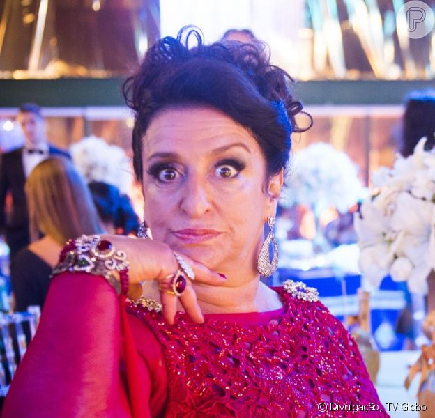 Teodora (Grace Gianoukas) vai ser dada como morta, mas reaparecer viva na reta final da novela 'Haja Coração', diz a colunista Patricia Kogut, do jornal 'O Globo', nesta quinta-feira, 16 de junho de 2016