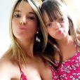 Ticiane Pinheiro e a filha, Rafaella Justus, também combinaram a estampa do biquíni