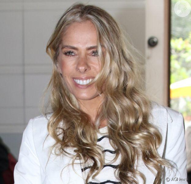 Adriane Galisteu anunciou que será a nova apresentadora do programa 'Face a Face', da Band News, nesta segunda-feira, 20 de junho de 2016, em evento que aconteceu em São Paulo
