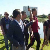 Cristiano Ronaldo fica irritado com jornalista e lança microfone na água. Vídeo!