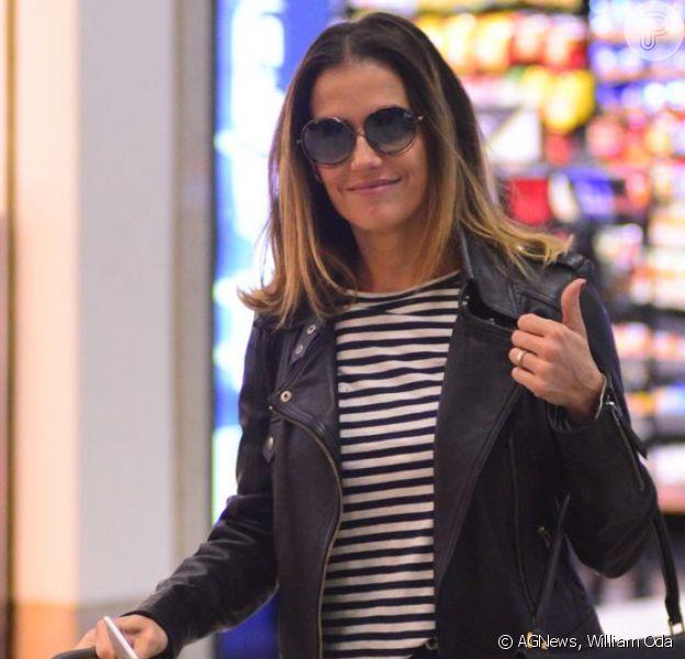 Deborah Secco usa mala de R$ 16 mil para embarcar em aeroporto no Rio