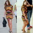 Marina Ruy Barbosa foi ao shopping usando vestido de mangas e rasteirinha. Look simples, não fosse pela bolsa Balenciaga no valor de R$ 5 mil