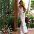 Omodelito longo e justo valorizou a boa forma de Marina Ruy Barbosa