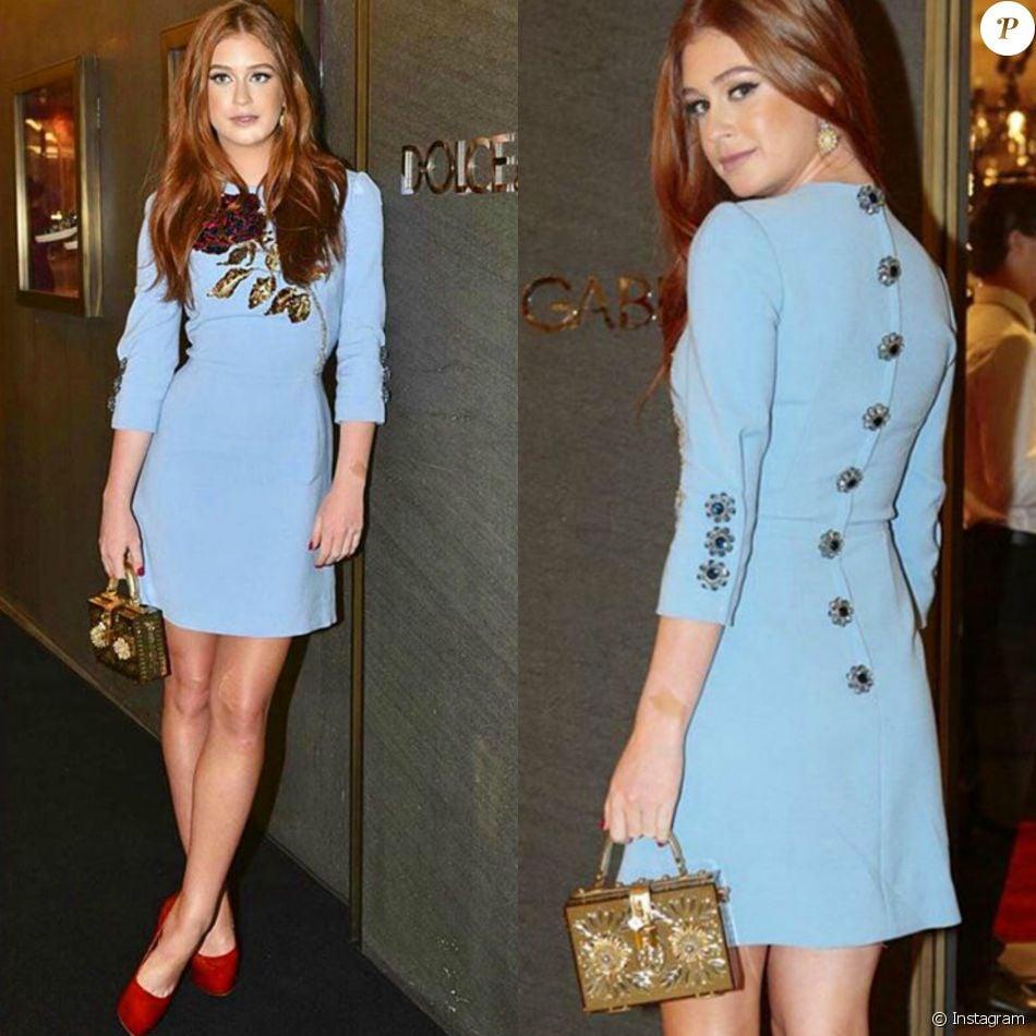 Vestido justo azul claro