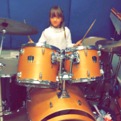 Ticiane Pinheiro exibe Rafaella Justus tocando piano e bateria: 'Aula de música'