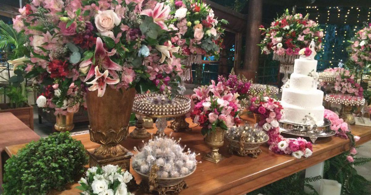 decoracao casamento tons de rosa:Decoração do casamento de Gretchen foi toda em tons de rosa