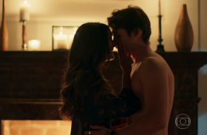 Primeira vez de Luciana e Rodrigo em 'Malhação' é elogiada na web: 'Apaixonante'