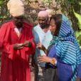 Na matéria do 'Globo Repórter', Gloria Maria explica que o uso da ganja (maconha) é tradição do movimento rastafári e que na Jamaica é permitido por lei fumar a erva para fins religiosos