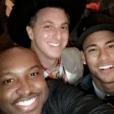 Neymar, Luciano Huck, Thiaguinho e Rafael Zulu se divertiram na festa junina
