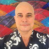 Edson Celulari, com câncer, não liga para falta de cabelos. 'Ele ri da careca'