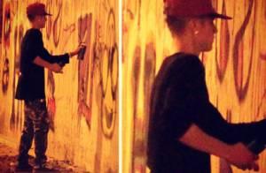 Justin Bieber ironiza foto que paparazzo brasileiro tirou quando grafitava muro