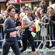Pamela Anderson completou a maratona com um certo esforço