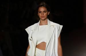 Fashion Rio: Bruna Marquezine e Isabelle Drummond desfilam para Coca-Cola Jeans