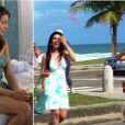 A Marcela (Isis Valverde) de 'Ti-Ti-Ti' usa o mesmo vestido que uma figurante na abertura da novela 'Fina Estampa'