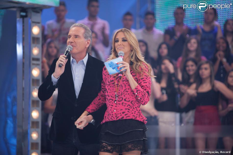 Ticiane Pinheiro e Roberto Justus participam do programa de televisão 'Domingo da Gente', neste domingo, 17 de novembro de 2013, pela primeira vez desde que se separaram, em maio deste ano, e fala sobre a situação do casal