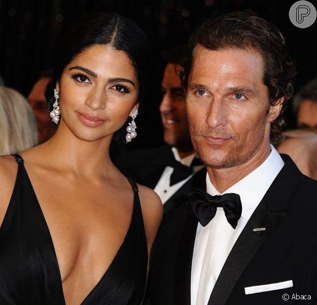 Matthew McConaughey anuncia o nome de seu terceiro filho com a modelo brasileira Camila Alves: Livingston Alves McConaughey, em 29 de dezembro de 2012
