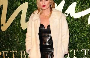 Kate Moss usa vestido de couro Alexander McQueen no British Fashion Awards 2013
